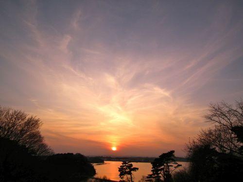 いつもの公園の夕景.jpg