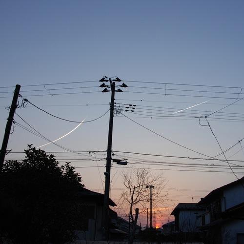 夕空に白線.jpg